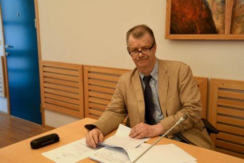 FORSVARER: Håkon Helsvig er forsvarer for mannen. Her fra fengslingsmøtet fredag i Alta tingrett.