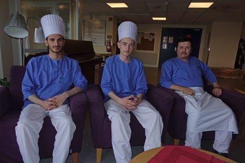 - UNØDVENDIG: Det syns (f.v.) Farhan Khalawi, Aleksander Lunga og Ali Amini  når det gjelder vanskeligheter med å få brukt studentkort.