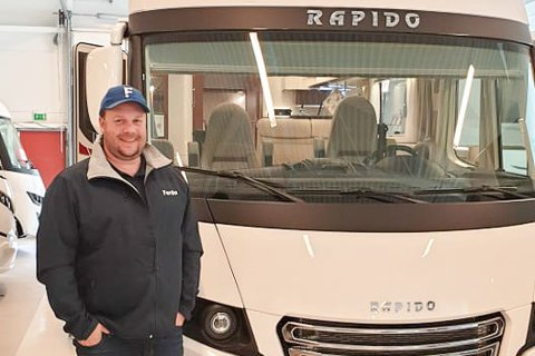 HVERDAGEN NÅ: Tidligere rockegeneral Jon Arne Pettersen selger nå bobiler i Troms.