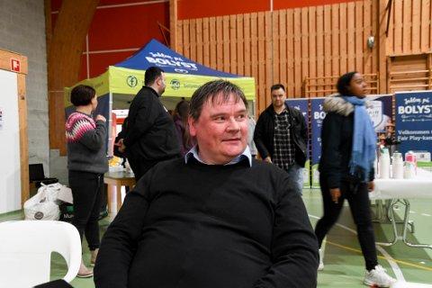 FORNYET TILLIT: Karasjok-ordfører Svein Atle Somby (Ap) på frokost under bolystuke i Karasjok den 3. juni i år. Han fortsetter som ordfører.