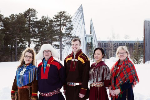 NSR MOT VINDKRAFTPLANER: Fra venstre: Ann Karin Kvernmo, Mathis Nilsen Eira, Jovna Vars Smuk, Sandra Andersen Eira og Nora Marie Bransfjell.