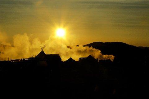 KALDERE: Det blir kjølere i Finnmark de neste dagene, med Øst-Finnmark som den kaldeste landsdelen tirsdag. Enkelte steder i fylket er det imidlertid fremdeles mulig å nyte litt varme.