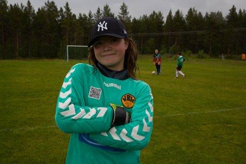 TØFF: Varanger Ballklubbs keeper Dina Erke er tøff som stål.