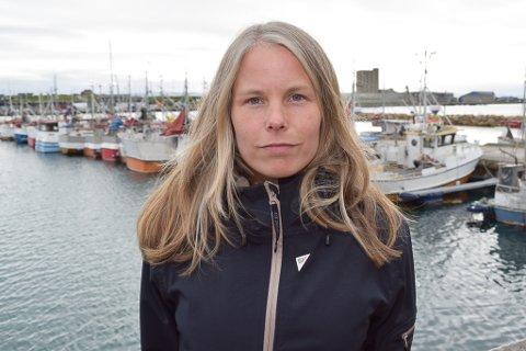 FORESLO UTSETTELSE: Kirsti Bergstø (SV) mener det er helt feil å bruke penger på ordførerkjede med tanke på at fylkeskommunen kan få kort levetid. Derfor foreslo hun utsettelse til etter stortingsvalget.