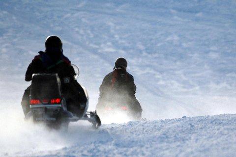 KAN BRUKE LØYPENETTET: Scooterkjørerne får bruke scooterløypene i Loppa igjen.