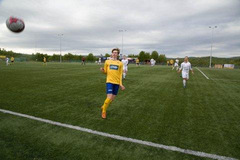 A-LAGET: Elias Lissner er bare 15 år og fast på Bjørnevatn ILs A-lag i 4. divisjon.