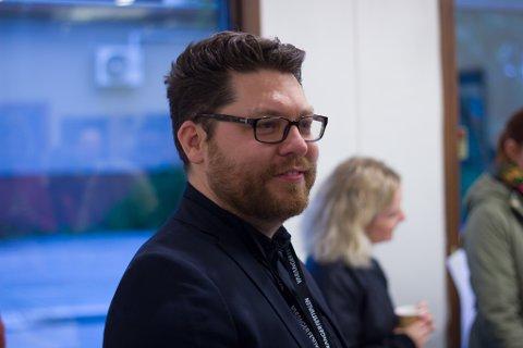 BLIR I BYEN: Robert Lundgren gir seg som sjef for Varangerfestivalen, men sier han ikke har planer om å flytte fra Vadsø.