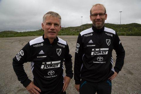 OPTIMISTISK: Prosjektleder Frode Johnsen (til venstre) og leder Kristian Isaksen i Hesseng IL er optimistiske på idrettslagets vegne ett år før kunstgressbanen skal åpnes.