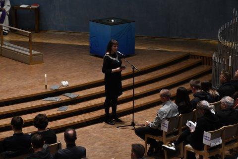STØTTE: Ordfører Monica Nielsen ga sin støtte til de etter helikopterulykken.