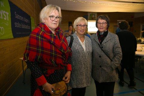HELSELAG: Nyborg helselag er ikke alene om å slite med aktivitet og få medlemmer. Nå håper de på hjelp fra Sparebank1 Norge. Her ved medlemmene Inga Pettersen Lindi, Jenny Eriksen og Aina Teigen.