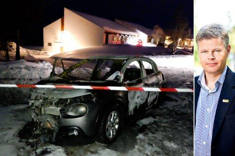 UTBRENT: Stort sett bare skallet var igjen av bilen etter brannen. – Det er leit, sier Trygve Simonsen i Hertz.