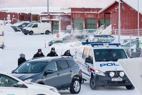 SPRER TROPPENE: Politiet har ikke lenger plass til alle sine avdelinger i eget hus, og har blant annet tatt Vestleiren i bruk. Bildet er tatt i 2015, da tusenvis av migranter var innom leiren før de ble transportert sørover.