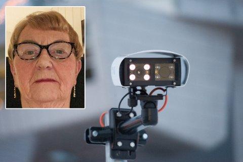 UFORSTÅELIG: Anne Grethe Nyvoll forstår ikke helt hvordan hun kunne få en regning i posten for å ha stått på parkeringsplassen ved Alta flyplass, mens hennes bil har stått på verksted.