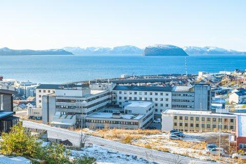 PROBLEMER: Også Finnmarkssykehuset er rammet av utstyrjukset fra en leverandør og man må ta tøffe valg når man skal behandle pasienter fremover. Her fra sykehuset i Hammerfest.