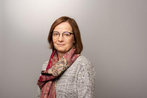 KONDOLERER: Administrerende direktør ved Finnmarkssykehuset, Siri Tau Ursin sender sine kondolanser til de pårørende etter at en person i Hammerfest gikk bort av korona.