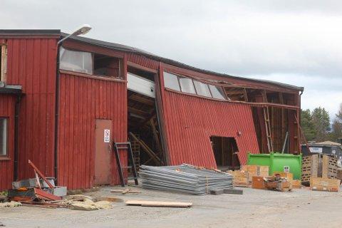 TOTALSKADD: Store snømengder er årsaken til at Alta kraftlag sitt lager på Alta sentrum ble ødelagt i vinter.