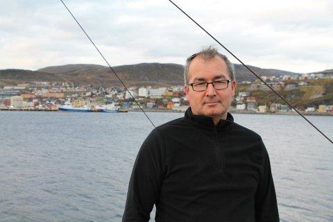GALSKAP: Tommy Pettersen (49) mener det er galskap at kommunen tilrettelegger for Cermaq og Mitsubishi, i stedet for å ivareta en bærekraftig fiskenæring.