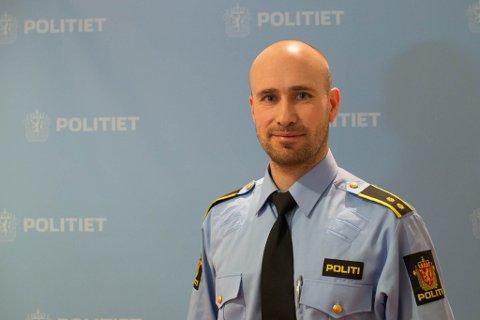 FLERE AVHØR: Politioverbetjent Torstein Pettersen opplyser at mannen som kjørte ulykkesbilen trolig vil bli avhørt igjen.
