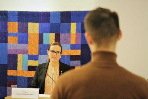 Sindre Kristiansen (18), elevrådsleder ved Hammerfest videregående, var blant de unge som stilte spørsmål direkte til ordfører Marianne Sivertsen Næss.