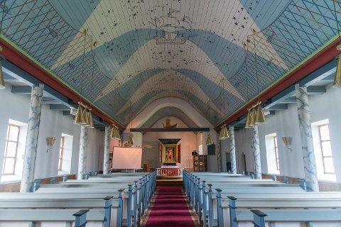VIKTIG: Helge Helgesen ser at kirken er viktig for beboere av Lebesby kommune.