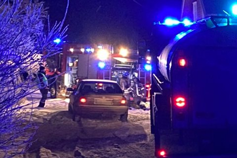 RYKKET UT: Beboerne i huset greide å slukke brannen før brannvesenet kom fram til stedet.