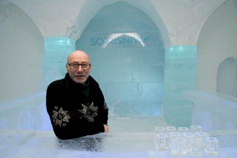 I BAREN: Tor Kjetil Wisløff & co. har også i år laget bare i ishotellet i Sorrisniva i Alta.