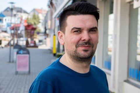 SVARER: Magnus Mæland, kontorsjef i Sør-Varanger kommune, svarer iFinnmark om smittesituasjonen der. Krevende, men under kontroll forteller han.
