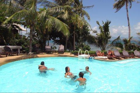 SYDENREISE: Grønne palmer og strand. En slik ferie kan bli mulig for finnmarkinger til sommeren.