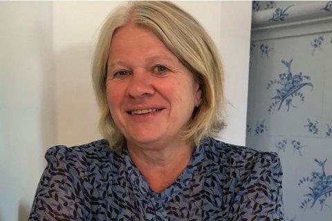 """TILBYR """"PRØVEBO"""": Anne Ulven (60) sier noen heldige skal få leie huset gratis i tre måneder: - Men jeg synes nesten det er rart at ikke flere prøver å bo her! sier hun."""