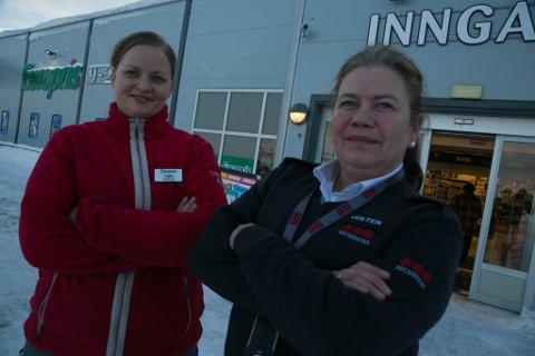 MYNDIGE: Vigdis Helene Johansen (til venstre) og Nina Karin Skogan må være både bestemte og myndige som ansvarlige for sjekkpunktet. Noen beslutninger de tar, er upopulære. Sånn er det bare.