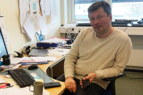 KARANTENE: Rektor Knut Johnny Johnsen ved Lakselv barneskole bekrefter at fire barnefamilier med unger på barneskolen er i karantene.