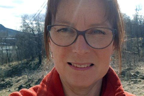 REAGERER: Helen Johannessen reagerer sterkt på at sonefaktor, som har gitt fradrag, har gitt en langt dyrere eiendomsskatt til boligeiere i distriktene.