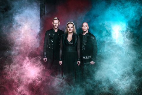 Keiino: Sangeren Alexandra Rotan, sanger/låtskriver Tom Hugo og låtskriveren, rapperen og joikeren Fred Buljo skal til Hammerfestdagan.