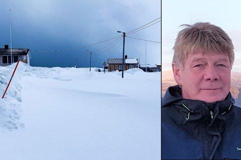 STENGT: Veien til Gamvik og til Lebesby har vært stengt og kolonnekjørt mange ganger i vinter. Nå er Jan Olav Evensen (til høyre), fiskerinæringen og ordførerne lei av lite forutsigbarhet, og krever bedring. Bildet er tatt i Gamvik tidligere i år.