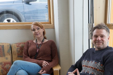 NY BUTIKK: Espen Sokollek og Ella Fjellheim håper kundene blir med på fyttelasset.