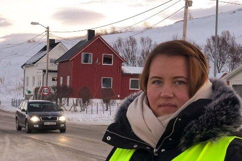 TRYGT: Leder Marie Olaussen Liland i Foreldreutvalget ved Kvalsund skole mener det er trygt i bygda tross tirsdagens hendelse. Bildet er tatt ved en annen anledning.