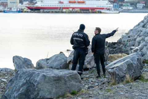 VET IKKE DØDSÅRSAK: Voksen mann ble funnet omkommet i havnebassenget i Hammerfest mandag 25. mai 2020. Politiet har tirsdag 2. juni ikke mottatt den foreløpige obduksjonsrapporten, så kan ikke uttale seg om dødsårsaken til iFinnmark mandag.