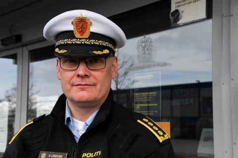 FÆRRE ÅRSVERK: Finnmark politidistrikt fikk mangeekstra stillinger samtidig som det ble færre ordinære årsverk. Her er Øyvind Lorentzen avbildet ved en tidligere anledning.