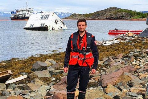 SKADESTEDSLEDER: Joakim Pedersen (30) har de siste ukene vært med på oppryddingen etter det svære kvikkleireskredet på Kråknes utenfor Alta. Nå vil han flytte permanent til Alta, om han skulle få tilbud om jobben som brannsjef.