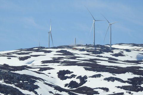 Vindkraftverk under bygging på Raudfjell i Tromsø