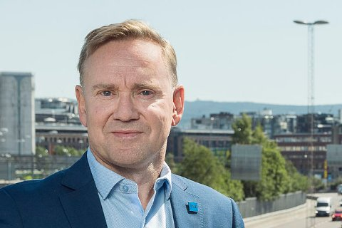 SKREMMENDE: Geirr Tangstad-Holdal, daglig leder for Trafikksikkerhetsforeningen, sier til iFinnmark at bruken av mobiltelefon i sommertrafikken er skremmende.