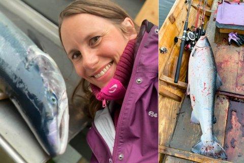 STORFANGST: Ragnhild Rajala Lautz tok seg tid til en selfie med den nye rekordlaksen i båten i Tanaelva denne uken.