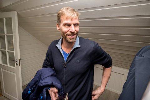 HOLDER SEG HJEMME: - Jeg blir testet mandag, og holder meg hjemme, sier Jo Inge Hesjevik.