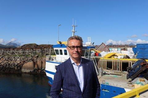 - MER VIRKSOMHET: - Nesten 5.000 tonn med ny kapasitet er kjøpt i Finnmark. Det betyr mer virksomhet, sier fiskeri- og sjømatminister Odd Emil Ingebrigtsen.