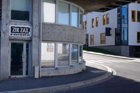 STENGTE: Frisørsalongen Zikzax i Hammerfest stengte dørene tidligere i år.