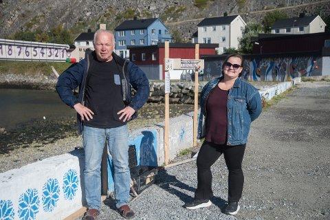 Initiativtaker Trond Helge Olsen og  kultursjef Maria Løkvoll.