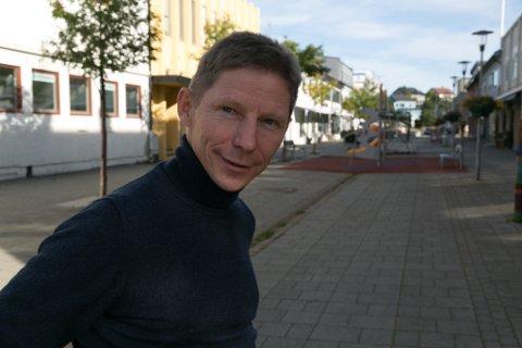 LOKAL: Per Olaf Persen har lagt vekt på å være en banksjef som har vært opptatt av lokalmiljøene. Her gågata i Kirkenes.