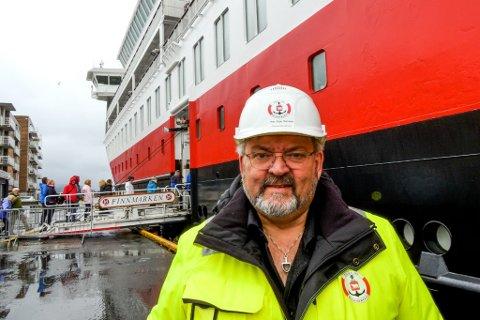 """JUBLER: Havnedirektør Per Åge Hansen i Hammerfest er klar til å trykke på startknappen for prosjektet """"Ren havn"""" etter dagens budsjettlekkasje."""