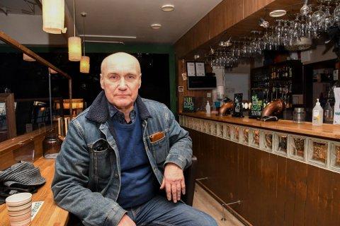 FRYKTET: Pubeier og daglig leder Stig Furu på Barila pub i Alta fryktet at det ville komme nytt skjenkestopp.