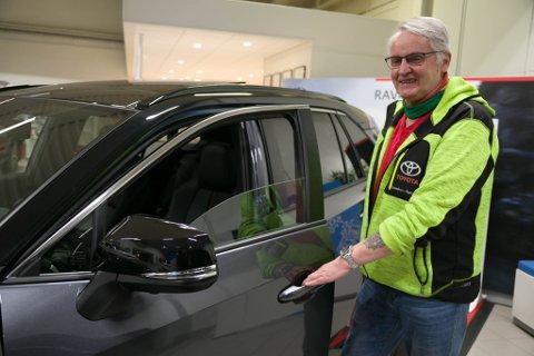 FORNØYD: Per-Arne Limstrand er fornøyd med sin nyeste bil.